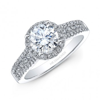 18k White Gold White Diamond Halo Engagement Ring