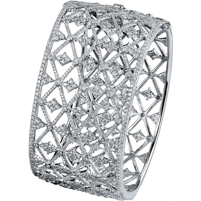 18k White Gold Pave Bezel Round Diamond Bangle - NK18109W